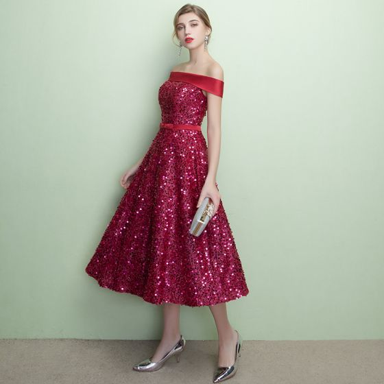 Sparkly Burgundy Party Dresses 2018 A-Line / Princess Sequins Bow Off-The-Shoulder Backless Sleeveless Knee-Length Formal Dresses