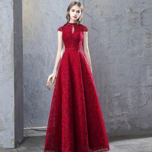 Chiński Styl Burgund Sukienki Wieczorowe 2019 Princessa Frezowanie Z Koronki Kryształ Wycięciem Rękawy z Kapturkiem Bez Pleców Długie Sukienki Wizytowe