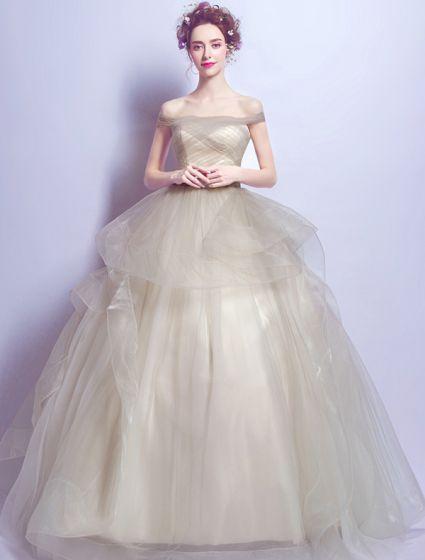 07e6f8ec1 Elegantes Vestidos De Gala 2017 Con El Vestido De Tul De Champán De La  Colmena Del Hombro
