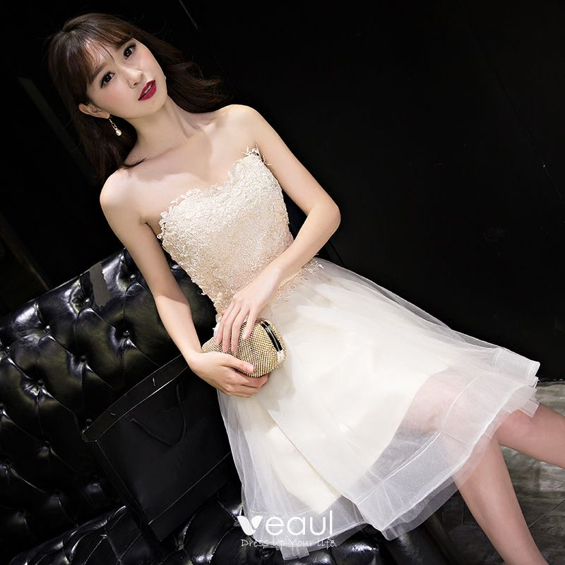 Sexy Champagne Graduation Dresses 2017 A-Line / Princess Lace Flower Bow Backless Strapless Sleeveless Short Formal Dresses