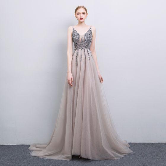 d54c692117 Sexy Gris Hecho a mano Rebordear Vestidos de noche 2019 A-Line   Princess  V-Cuello Lentejuelas ...
