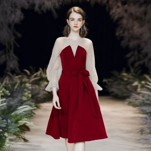 Modest / Simple Burgundy See-through Homecoming Graduation Dresses 2020 A-Line / Princess Scoop Neck Puffy 3/4 Sleeve Knee-Length Ruffle Backless Formal Dresses