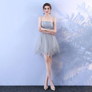Grau Sexy Cocktailkleider 2018 A Linie Mit Spitze Applikationen Herz-Ausschnitt Rückenfreies Ärmellos Kurze Festliche Kleider