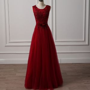 Chic / Beautiful Burgundy Prom Dresses 2018 A-Line / Princess Scoop Neck Sleeveless Appliques Lace Beading Bow Sash Floor-Length / Long Ruffle Backless Formal Dresses