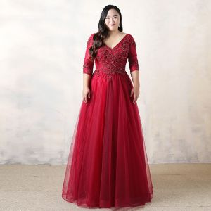 Chic / Beautiful Plus Size Burgundy Evening Dresses  2019 A-Line / Princess Lace Tulle V-Neck Appliques Backless Beading Evening Party Formal Dresses