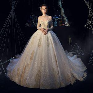 Elegante Champagner Brautkleider / Hochzeitskleider 2019 Ballkleid Off Shoulder Lange Ärmel Rückenfreies Glanz Tülle Applikationen Spitze Perlenstickerei Kathedrale Schleppe Rüschen