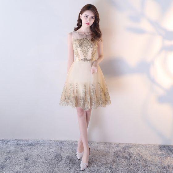 Chic / Beautiful Homecoming Graduation Dresses 2017 Champagne Short A-Line / Princess Scoop Neck Sleeveless Metal Sash Pearl Rhinestone Sequins Formal Dresses