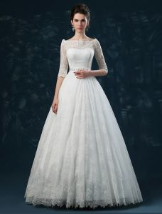 2015 Elegant A-line Princess Shoulders 1/2 Sleeves Embroidered Lace Wedding Dress