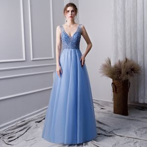 Schöne Himmelblau Handgefertigt Perlenstickerei Ballkleider 2019 A Linie V-Ausschnitt Perle Strass Pailletten Ärmellos Rückenfreies Lange Festliche Kleider