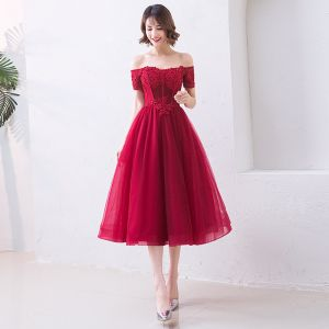 Chic / Beautiful Burgundy Evening Dresses  2019 A-Line / Princess Off-The-Shoulder Beading Crystal Lace Flower Short Sleeve Backless Tea-length Formal Dresses