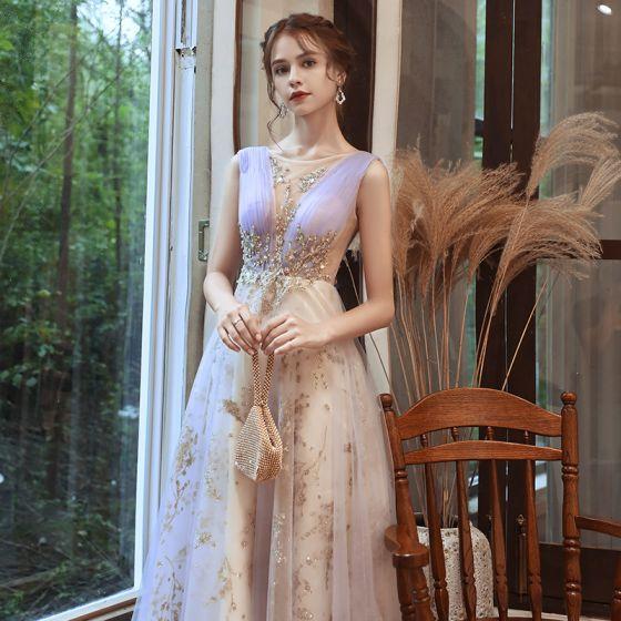 Charmant Lavendel Champagner Abendkleider 2020 A Linie Durchsichtige Tiefer V-Ausschnitt Ärmellos Perlenstickerei Glanz Tülle Lange Rüschen Rückenfreies Festliche Kleider