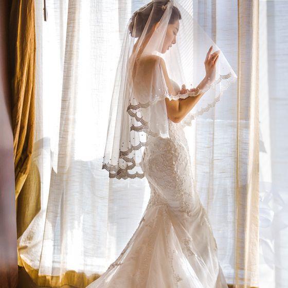 Luxe Blanche Mariage Dentelle Tulle Perlage Brodé Perle Fait main Courte Voile De Mariée 2019