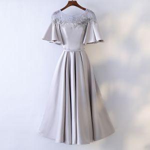 Schöne Silber Abendkleider 2017 A Linie Mit Spitze Blumen Perle Rundhalsausschnitt 1/2 Ärmel Knöchellänge Festliche Kleider