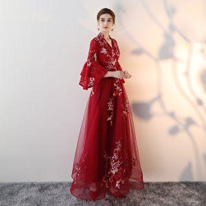 Unique Burgunderrot Abendkleider 2017 A Linie V-Ausschnitt Spitze Reißverschluss Applikationen Rückenfreies Stickerei Abend Festliche Kleider