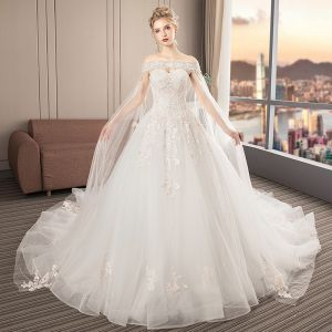 Elegant Ivory Wedding Dresses 2019 A-Line / Princess Sweetheart Sleeveless Backless Appliques Lace Beading Watteau Train Ruffle