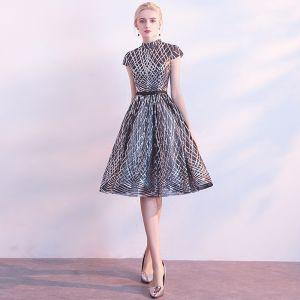 Scintillantes Noire Robe De Fete 2018 Princesse Col Haut Manches Courtes Noeud Ceinture Mi-Longues Paillettes Robe De Ceremonie