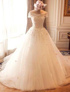 Atemberaubende Brautkleider 2016 Ballkleid Weg Von Der Schulter Applique Blumen Elfenbein Hochzeitskleider