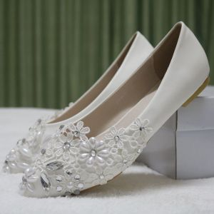 Chic / Beautiful White Casual Womens Shoes 2018 Lace Pearl Rhinestone Pointed Toe Flat