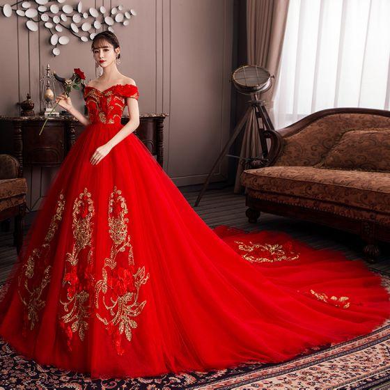 Style Chinois Rouge Enceinte Robe De Mariée 2019 De l'épaule Paillettes En Dentelle Fleur Appliques Manches Courtes Dos Nu Chapel Train