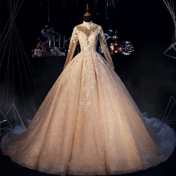 Luxus / Herrlich Champagner Brautkleider / Hochzeitskleider 2019 A Linie Stehkragen Glanz Perlenstickerei Spitze Blumen Perle Kristall Lange Ärmel Rückenfreies Königliche Schleppe