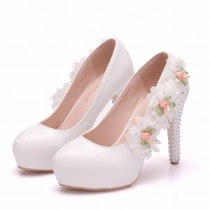 Elegant White Wedding Shoes 2018 Appliques Rhinestone 9 cm Stiletto Heels Round Toe Wedding Pumps