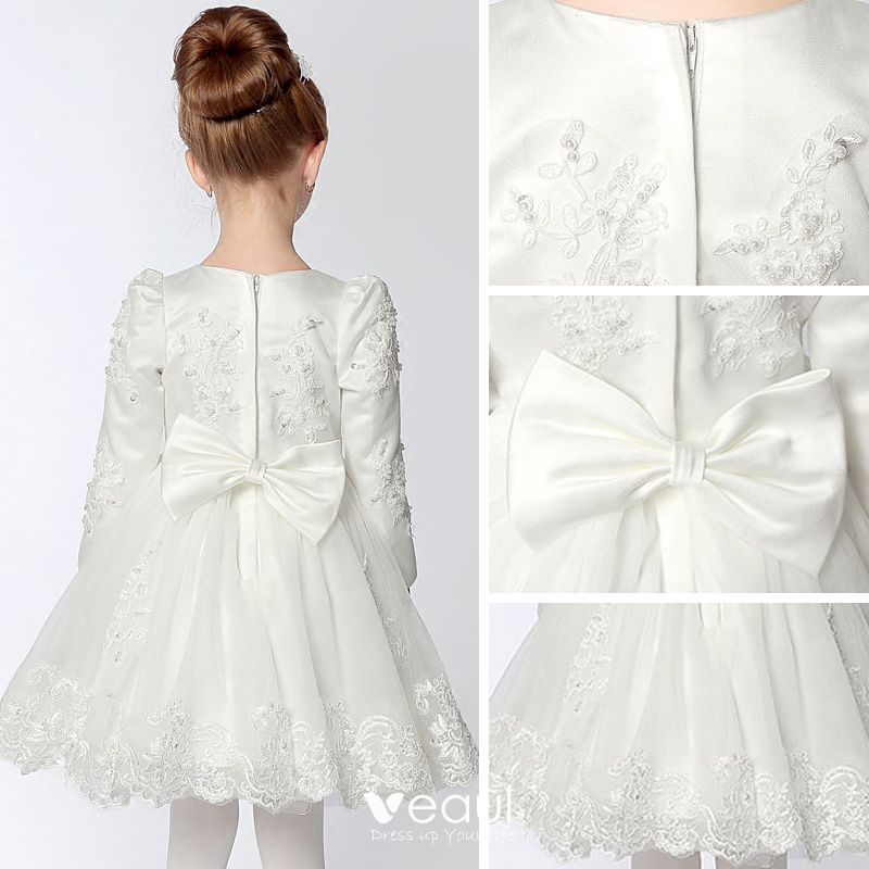 Chic / Beautiful Wedding Party Dresses 2017 Flower Girl Dresses White Short Ball Gown Scoop Neck Long Sleeve Bow Lace Appliques Pearl