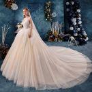 Schöne Champagner Brautkleider / Hochzeitskleider 2019 Ballkleid Rüschen Bandeau Perlenstickerei Ärmellos Rückenfreies Königliche Schleppe