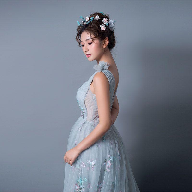 Sexy Gris Robe De Soirée 2019 Princesse Transparentes Encolure Dégagée Sans Manches Papillon Appliques En Dentelle Tribunal Train Volants Dos Nu Robe De Ceremonie