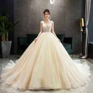 Elegante Champagner Brautkleider / Hochzeitskleider 2019 A Linie Rundhalsausschnitt Perlenstickerei Pailletten Ärmellos Rückenfreies Hof-Schleppe