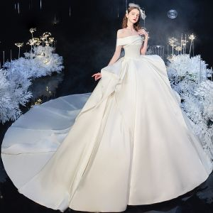 Modest / Simple Ivory Satin Bridal Wedding Dresses 2020 Ball Gown Off-The-Shoulder Short Sleeve Backless Cathedral Train Ruffle