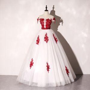 Elegantes Marfil Vestidos de gala 2020 Ball Gown Fuera Del Hombro Rojo Apliques Con Encaje Flor Bowknot Rhinestone Sin Mangas Sin Espalda Largos Vestidos Formales