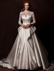 Elegante Brudekjoler 2016 Vintage Blonder Halsen Elfenben Ruffle Satin Brudekjole Med Langt Tailing