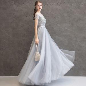 Brillante Gris Vestidos de noche 2019 A-Line / Princess Scoop Escote Rebordear Lentejuelas Cinturón Manga Corta Largos Vestidos Formales