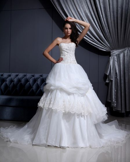Sleeveless Mesh Lace Beading Sweetheart Cathedral Train Ball Gown Wedding Dress