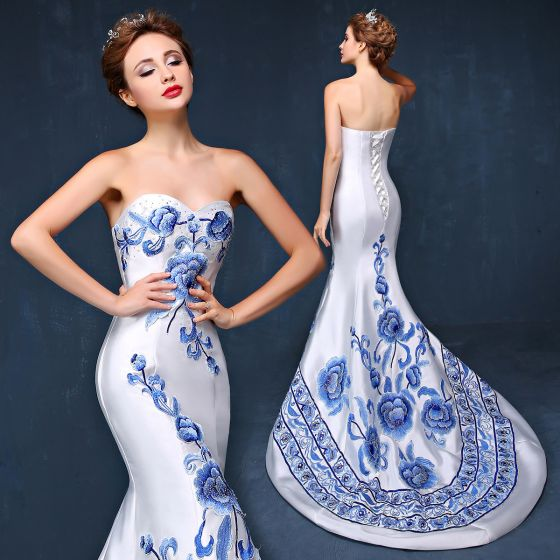 Chinese style Ivory Evening Dresses  2019 Trumpet / Mermaid Strapless Appliques Lace Rhinestone Sleeveless Backless Court Train Formal Dresses