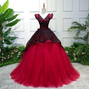 Vintage Negro Rojo Vestidos de gala 2019 Ball Gown V-Cuello Con Encaje Flor Apliques Sin Mangas Sin Espalda Colas De La Corte Vestidos Formales
