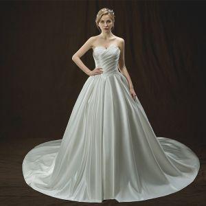 Proste / Simple Kość Słoniowa Suknie Ślubne 2018 Princessa Najpiękniejsze / Ekskluzywne Kochanie Bez Rękawów Bez Pleców Trenem Katedra Wzburzyć