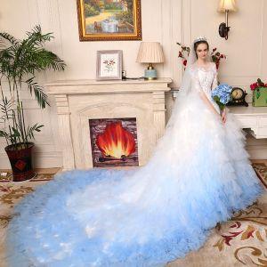 Maravilloso Blanco Degradado De Color Azul Cielo Traspasado Vestidos De Novia 2017 Ball Gown Scoop Escote 3/4 Ærmer Apliques Con Encaje Cathedral Train