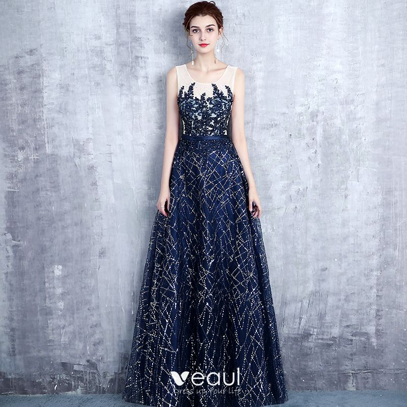 b2ce1cba74b Chic   Beautiful Navy Blue Evening Dresses 2017 A-Line   Princess Scoop Neck  Sleeveless Appliques Lace Pearl Sequins Glitter Rhinestone Sash Floor-Length  ...