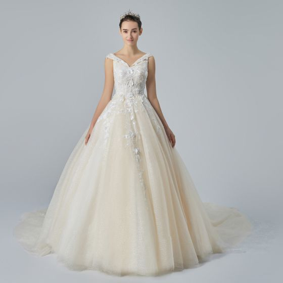 c1000a896dc Chic   Beautiful Champagne Wedding Dresses 2019 A-Line   Princess V-Neck  Sleeveless Backless Appliques Lace Beading ...