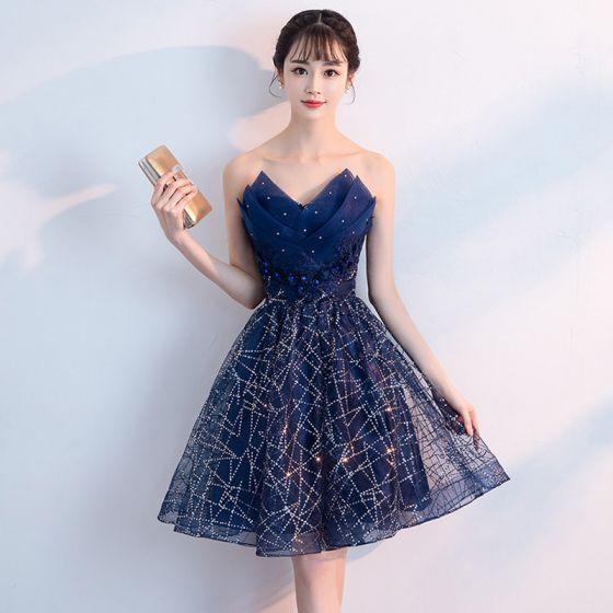 Bling Bling Granatowe Sukienki Koktajlowe 2018 Princessa Kochanie Bez Rękawów Rhinestone Cekinami Cekiny Krótkie Wzburzyć Bez Pleców Sukienki Wizytowe
