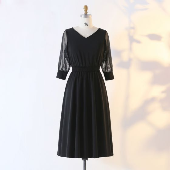Mode Schwarz Übergröße Abendkleider 2020 A Linie V-Ausschnitt Lange Ärmel Durchsichtige Schaltflächen Einfarbig Wadenlang Sommer Abend Festliche Kleider