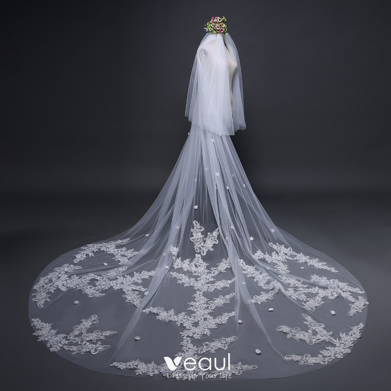 Modern / Fashion White Wedding Veils 2017 Tulle Lace Embroidered Appliques Wedding