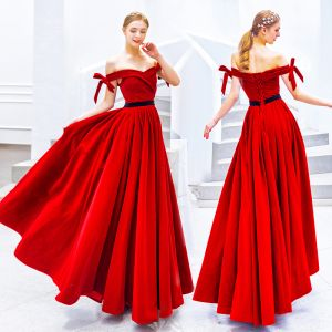 Chic / Beautiful Solid Color Red Evening Dresses  2019 A-Line / Princess Off-The-Shoulder Suede Bow Sleeveless Backless Floor-Length / Long Formal Dresses