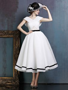 247a0ca0a21 Vintage Simple White Prom Dress V-neck Backless Party Dress With Bow Sash