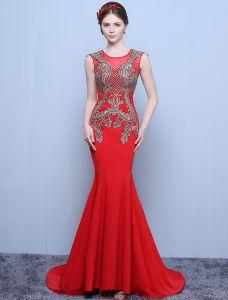 Schöne Abendkleider 2016 Meerjungfrau Rundhalsausschnitt Applique Goldspitze Roten Langen Kleid