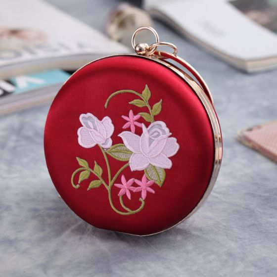 Chinese style Red Embroidered Flower Metal Clutch Bags 2018