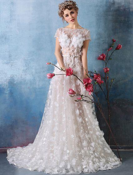 2016 Vackra Torget Halsen Pärlstav Applique Kronblad Champagne Spets Bröllopsklänningar Med Skärp