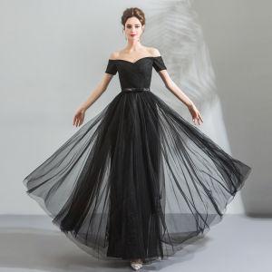 Modest / Simple Black Evening Dresses  2018 A-Line / Princess Off-The-Shoulder Sleeveless Bow Sash Floor-Length / Long Ruffle Backless Formal Dresses
