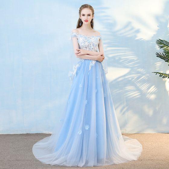 Elegantes Azul Cielo Vestidos de noche 2018 A-Line / Princess Apliques Perla Rhinestone Fuera Del Hombro Con Chal Sin Espalda Manga Corta Colas De La Corte Vestidos Formales